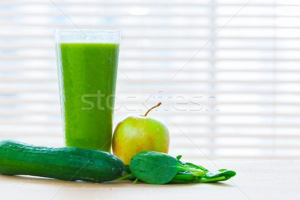 Fresco suco verde legumes frutas saudável Foto stock © photocreo