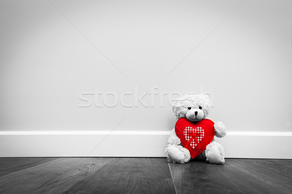 Cute Nounours grand rouge peluche coeur Photo stock © photocreo