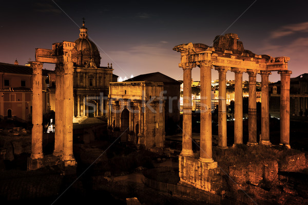 Roman Forum italian Roma Italia noapte Imagine de stoc © photocreo