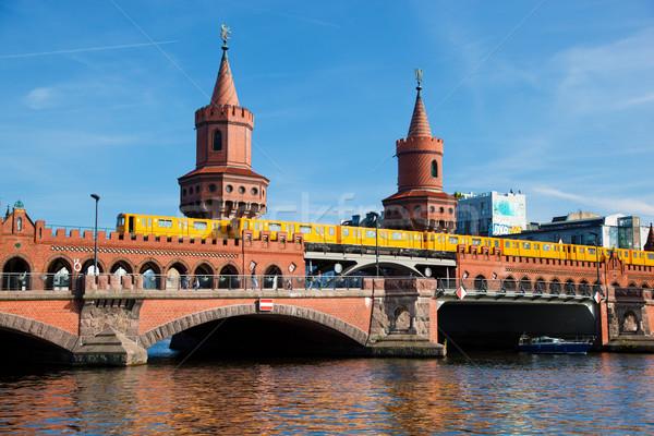 Híd Berlin Németország folyó égbolt művészet Stock fotó © photocreo