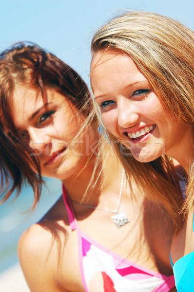élvezi nyáridő fiatal vonzó lányok lány Stock fotó © photocreo
