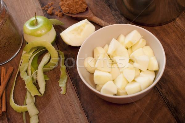Hámozott alma vmi mellett aprított darabok tál Stock fotó © photohome