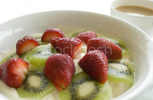 Meyve yoğurt kahvaltı fincan çay yüksek Stok fotoğraf © photohome