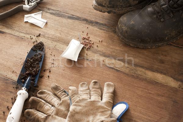 ガーデニング 手袋 古い ブーツ 土壌 木製 ストックフォト © photohome