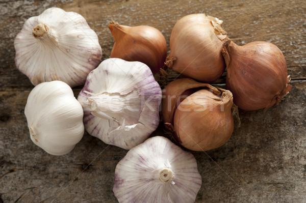 Foto d'archivio: Fresche · greggio · tutto · aglio · cipolle · rosolare