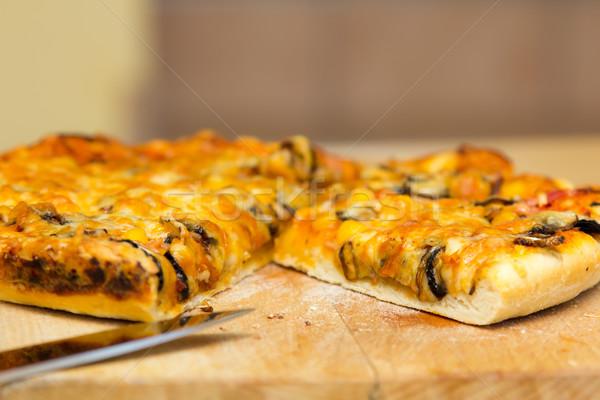 Pizza plastry drewniany stół żywności domu Zdjęcia stock © Photoline