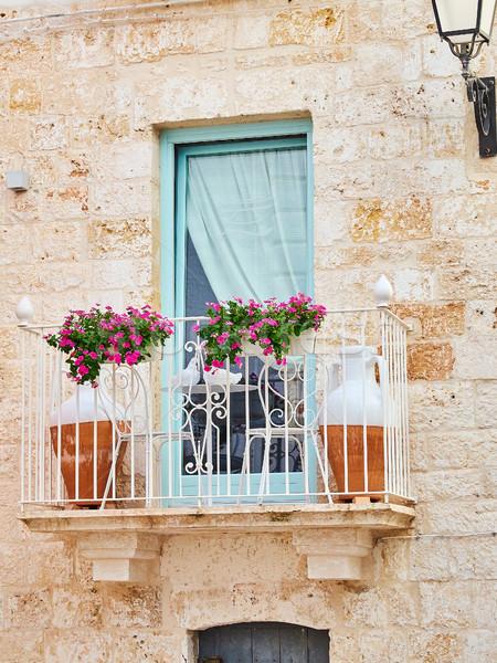 Tipic balcon piatră casă Italia Imagine de stoc © Photooiasson