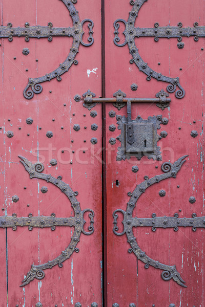 Antieke Rood houten deur europese straat Stockfoto © Photooiasson