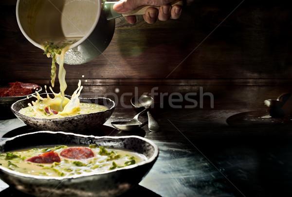 Typisch soep schotel omhoog rustiek Stockfoto © Photooiasson