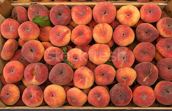 Fresco pêssegos mercado maduro comida grupo Foto stock © Photooiasson