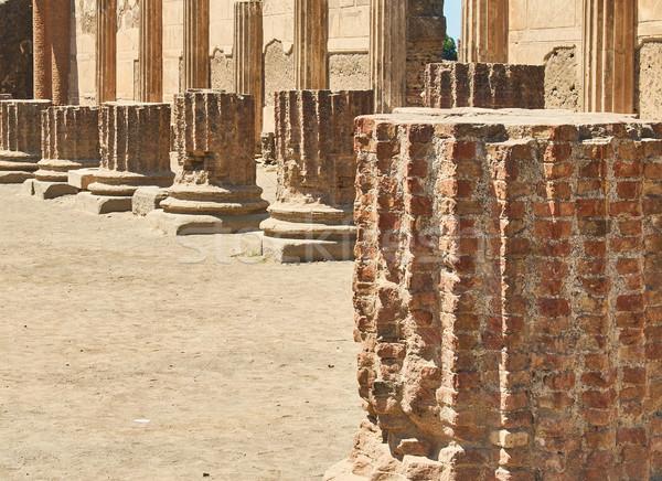 Romok ősi római város Olaszország régészeti Stock fotó © Photooiasson