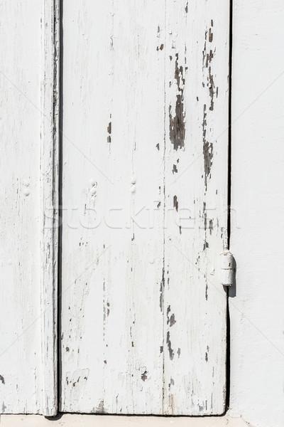 Yıpranmış beyaz ahşap kapı boya Stok fotoğraf © Photooiasson