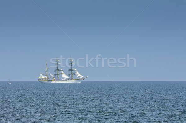 Alto buque vela mar blanco Foto stock © photosebia