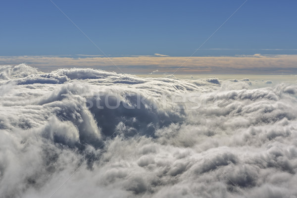 Venteux pelucheux nuages formation Photo stock © photosebia