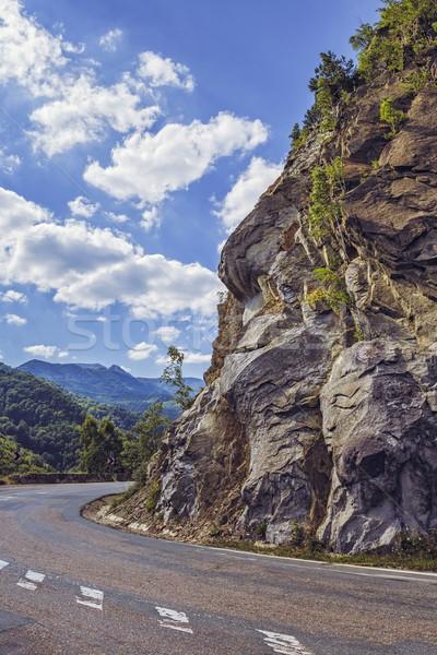 Drogowego obracać stromy Urwisko słoneczny lata Zdjęcia stock © photosebia