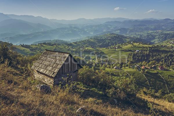 Idilli vidéki díszlet öreg román fából készült Stock fotó © photosebia