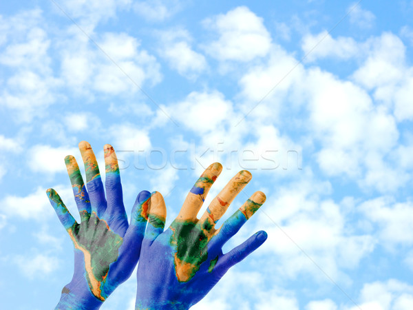 Stockfoto: Aarde · handen · paar · positie · geschilderd · planeet