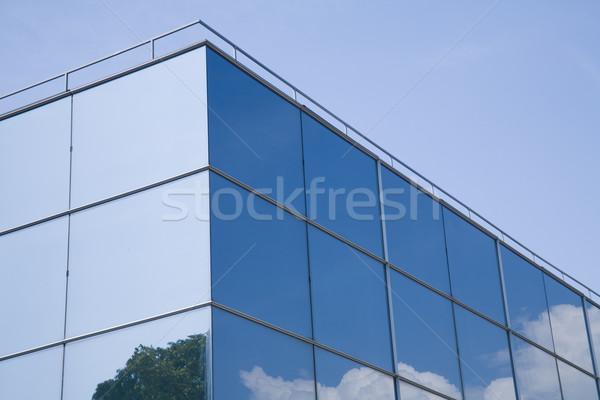 Размышления современных стеклянное здание деревья облака бизнеса Сток-фото © photosil