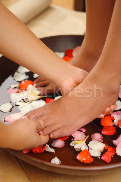 Voet massage spa aromatherapie water schoonheid Stockfoto © photosoup