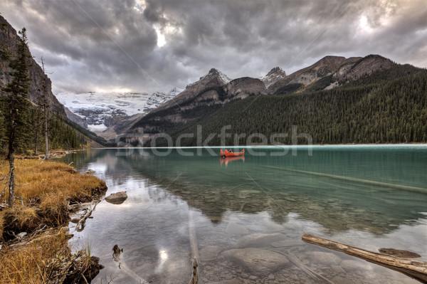 Lago ghiacciaio canoa smeraldo colore acqua Foto d'archivio © pictureguy