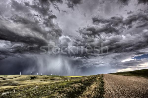 Burzowe chmury saskatchewan farma wiatrowa prąd Kanada niebo Zdjęcia stock © pictureguy