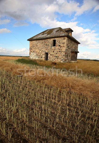 Opuszczony kamień domu sceniczny saskatchewan krajobraz Zdjęcia stock © pictureguy
