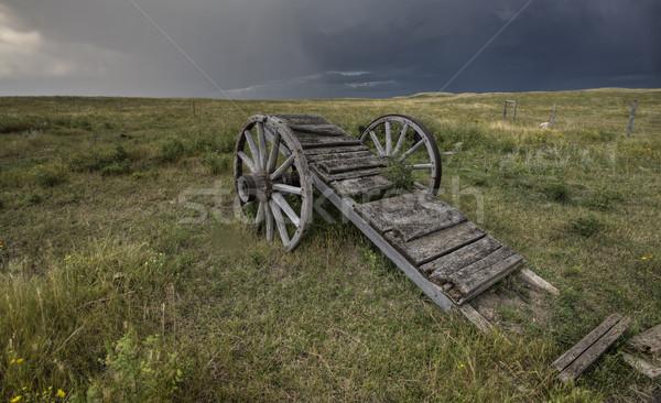 Edad pradera rueda carrito saskatchewan Canadá Foto stock © pictureguy