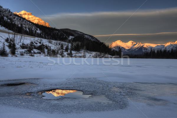 Foto stock: Lago · céu · água · paisagem · neve · montanha