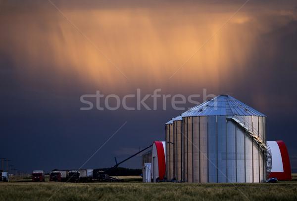 Viharfelhők Saskatchewan farm raktár égbolt természet Stock fotó © pictureguy