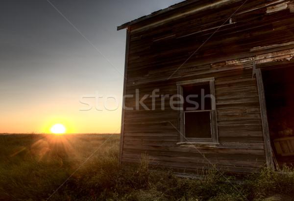 Abandonado saskatchewan Canadá pôr do sol pradaria ver Foto stock © pictureguy