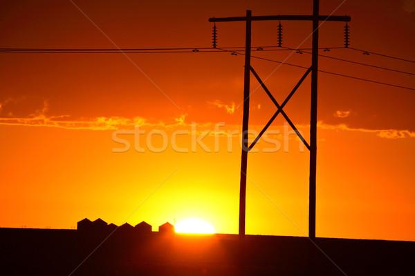Puesta de sol detrás saskatchewan poder Foto stock © pictureguy