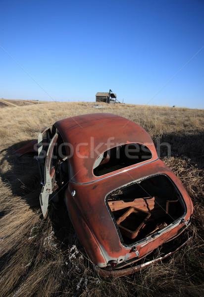 Vecchio abbandonato auto campo saskatchewan Canada Foto d'archivio © pictureguy
