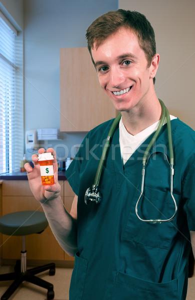 Foto stock: Alto · custo · saúde · bonito · jovem · médico · do · sexo · masculino