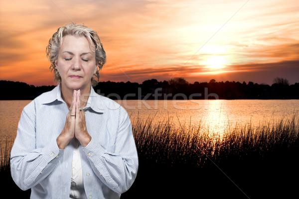 Kobieta modląc piękna Christian głęboko modlitwy Zdjęcia stock © piedmontphoto