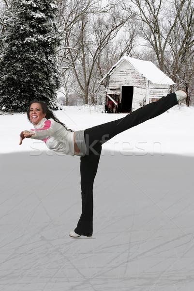 Figura skater bella ghiaccio pattini Foto d'archivio © piedmontphoto