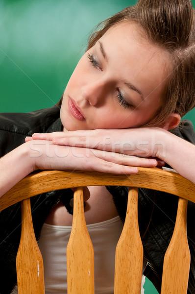 ストックフォト: 美人 · 座って · 美しい · 若い女性 · 椅子 · 少女