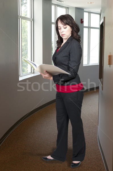 Belle femme avocat belle jeune femme affaires costume Photo stock © piedmontphoto