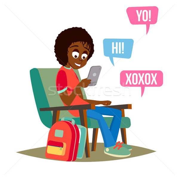 Stockfoto: Tienermeisje · vector · gelukkig · meisje · communiceren · internet · smartphone