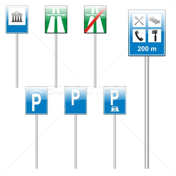 Geïsoleerd europese verkeersborden straat kruis Stockfoto © PilgrimArtworks