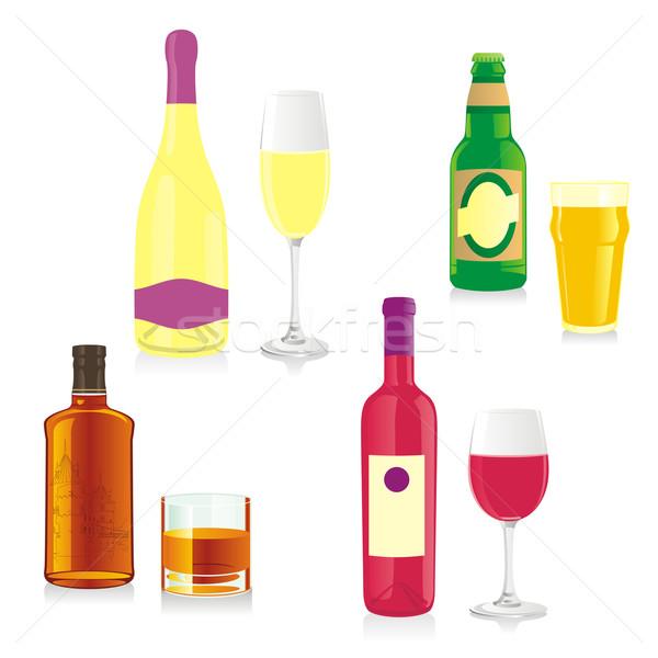 Geïsoleerd alcohol flessen bril strand Stockfoto © PilgrimArtworks