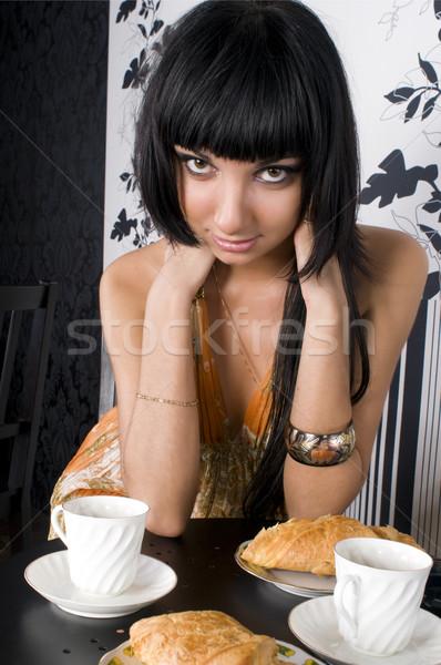 Photo stock: Belle · fille · café · séance · potable · croissant