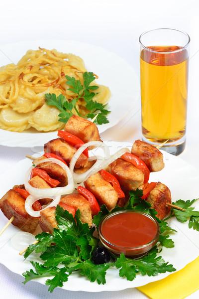 Asztal étel hús nyárs dzsúz fehér Stock fotó © Pilgrimego