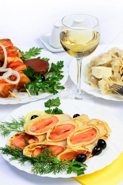 表 食品 肉 鮭 白ワイン ストックフォト © Pilgrimego