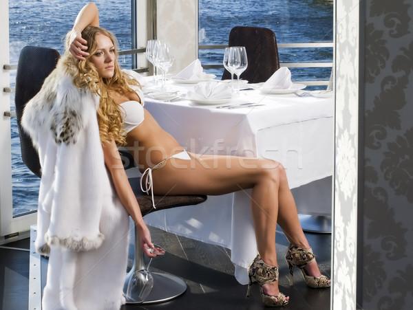 Photo stock: Restaurant · rivière · portrait · belle · femme · eau · ville