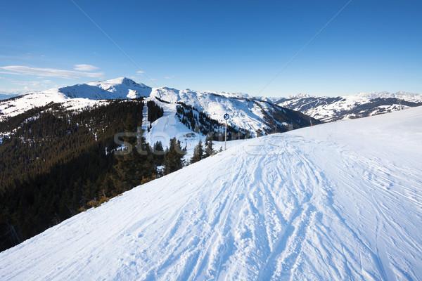 Hiver ski voir Resort nuages Photo stock © pixachi