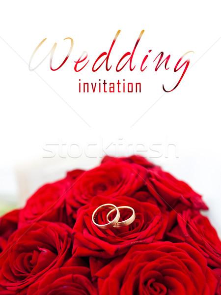 обручальными кольцами красные розы свадьба моде роз Сток-фото © pixachi