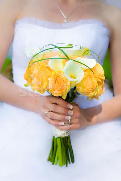 Braut halten Blumen Liebe Hintergrund Stock foto © pixachi