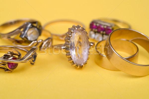 Anneaux or bijoux jaune lumière Photo stock © pixelman