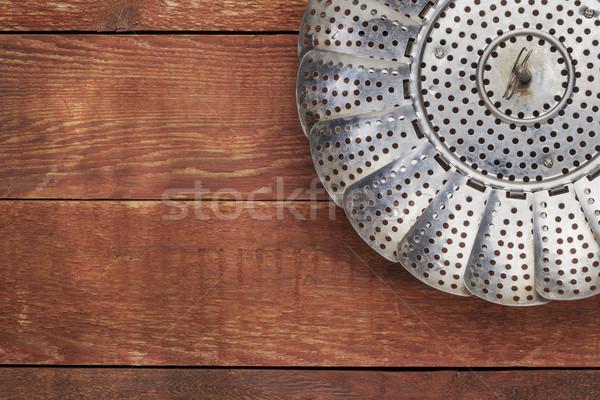 Metal navio a vapor cesta vermelho rústico celeiro Foto stock © PixelsAway