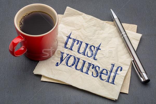 Zaufania siebie rada serwetka pismo kubek Zdjęcia stock © PixelsAway